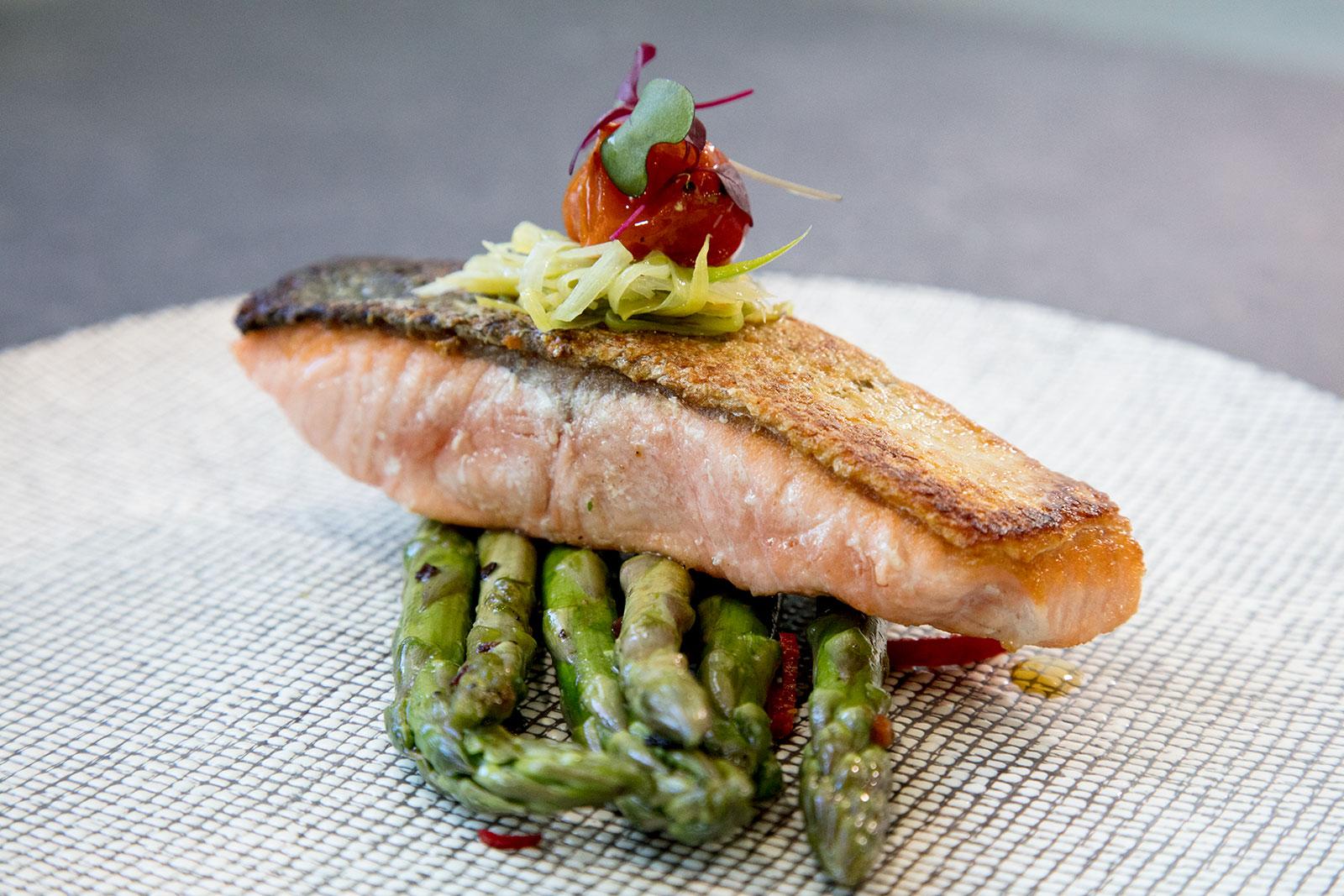 Grilled Salmon on asparagus